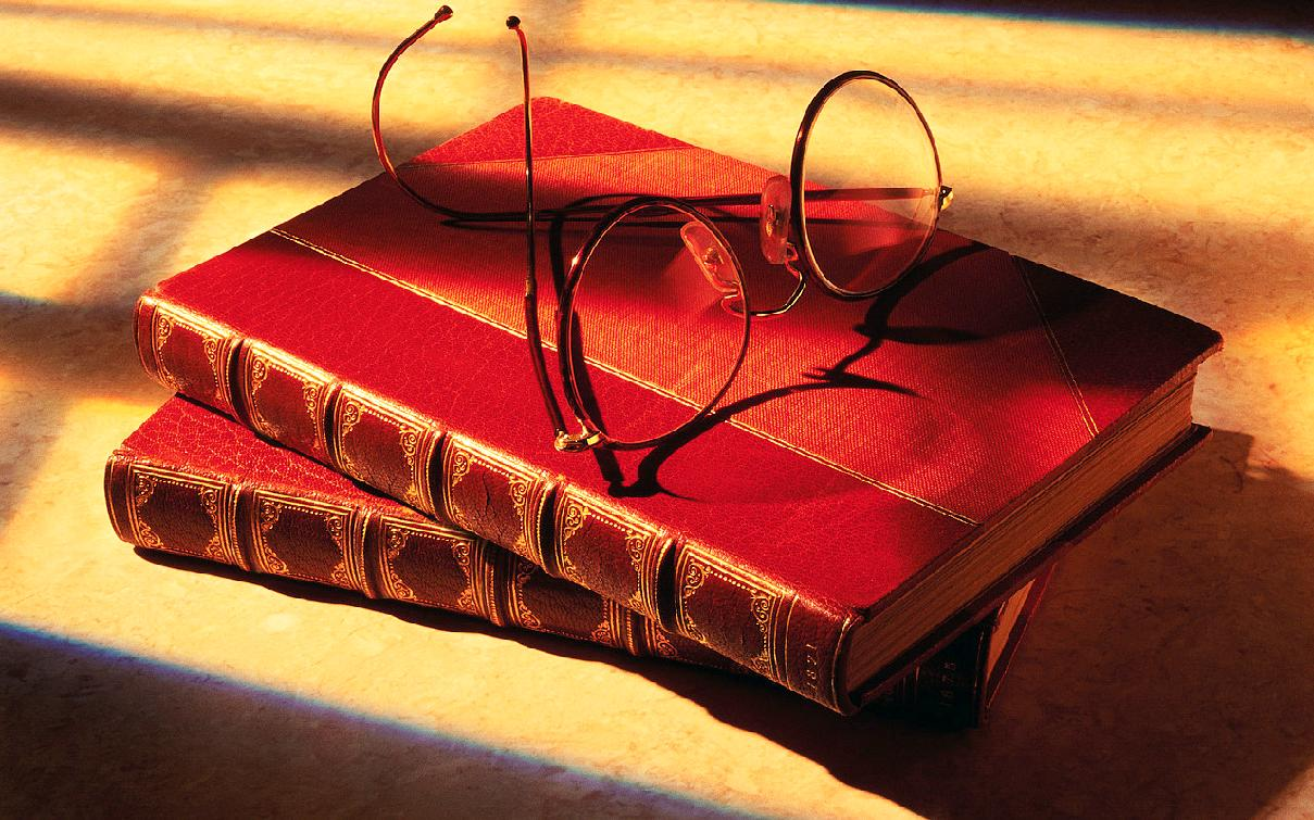 books-glasses